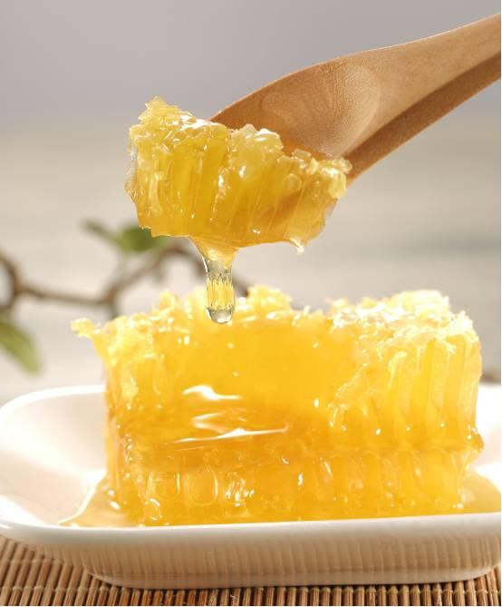 柠檬蜂蜜发霉了怎么办 蛋清蜂蜜可以天天做吗 柠檬水+加蜂蜜 洋槐蜂蜜止咳 淘宝纯蜂蜜