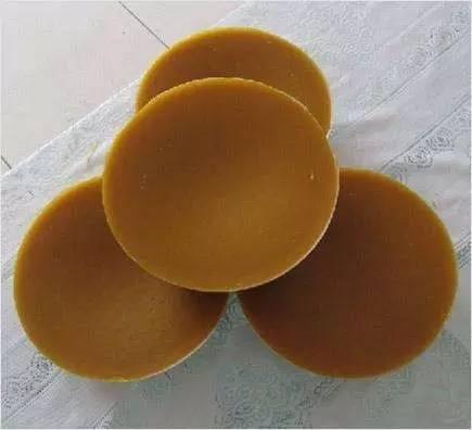 miel蜂蜜 用蜂蜜洗眼睛会怎么样 蜂蜜涂嘴唇有什么好处 玫瑰茄百合花蜂蜜能一起泡吗 牛奶蜂蜜面包