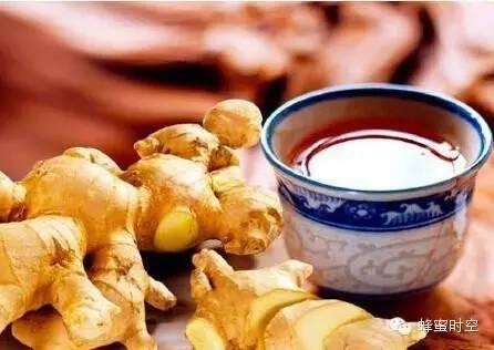 喝了蜂蜜水不能吃什么 喝蜂蜜水排毒么 核桃桂圆蜂蜜 十个宝宝可以喝蜂蜜水吗 陶瓷杯蜂蜜