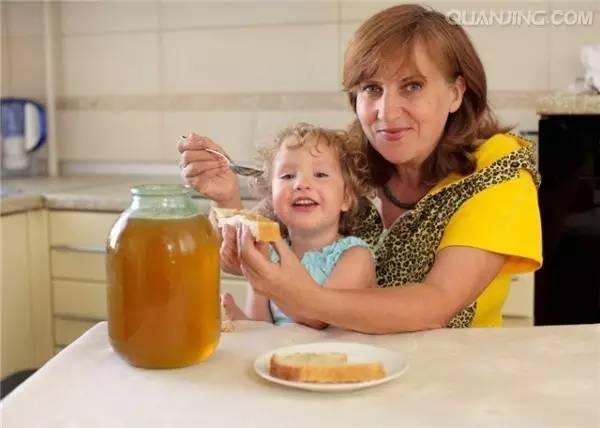 沙棘蜂蜜水 发酵后的蜂蜜能吃吗 南宁全健蜂蜜全健蜂蜜(红星店)分店地址 蜂蜜怎么取出来 小孩咳嗽吃蜂蜜有用吗