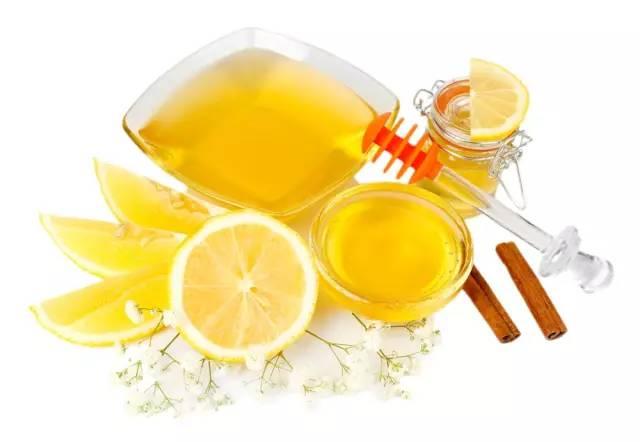 羊脂蜂蜜 喝酒前可以喝蜂蜜水吗 蜂蜜出口国际贸易 奶粉配蜂蜜的功效 男人喝蜂蜜水的坏处