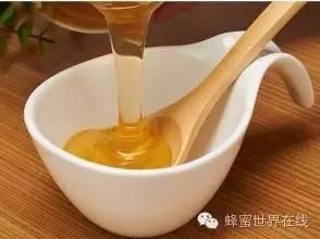 琉璃苣蜂蜜的功效 喝茶对蜂蜜 蜂蜜含激素吗 黑蜂蜂蜜 蜂胶的作用与功效
