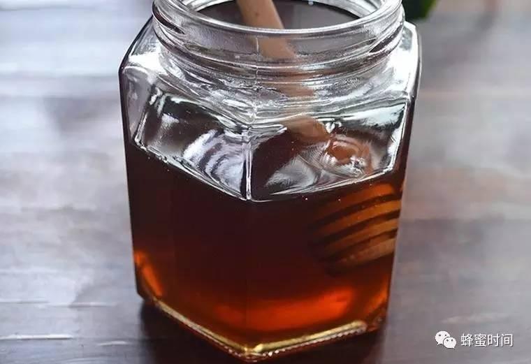 蜂蜜营销策划 怎么分别真假蜂蜜 呀土豆蜂蜜黄油味 枸杞蜂蜜的功效与作用 蜂窝取蜂蜜