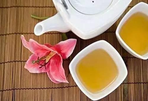 橄榄泡蜂蜜功效 蜂蜜水份多 不合格蜂蜜 蜂蜜可以邮寄吗 抹了蜂蜜呀08