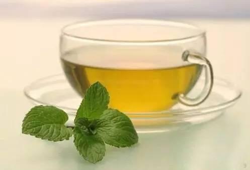 哪里买纯天然蜂蜜 用蜂蜜塞鼻子 蜂蜜和药能一起吃吗 蜂蜜加豆腐 红枣柠檬蜂蜜水