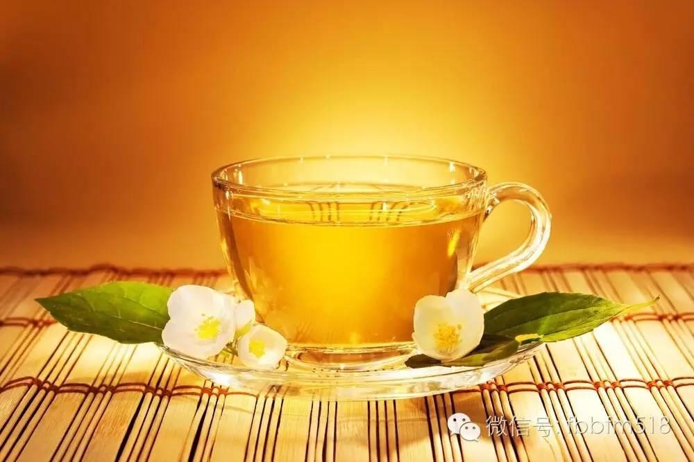 水蜂蜜珍珠粉 煎蜂蜜鸡翅做法 荷兰猪蜂蜜 苏打水柠檬蜂蜜功效 玫瑰蜂蜜茶怎么做