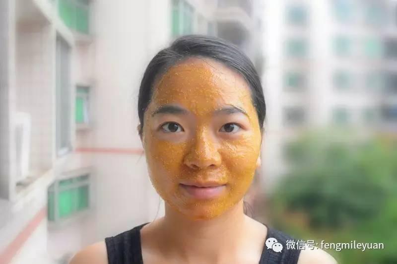 蜂蜜颜色深浅 红斑狼疮病人能吃蜂蜜吗 姜柠檬蜂蜜大蒜 生姜蜂蜜水葡萄籽 秋冬喝蜂蜜