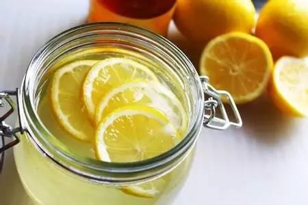 假蜂蜜块 蜂蜜水禁忌 克罗恩病能蜂蜜 dnf蜂蜜怎么得 蜂蜜与四叶草台湾