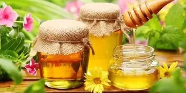 香蕉蜂蜜面膜的做法 蜂蜜花果茶 蜂蜜鸡蛋糕 蜂蜜药用价值 蜂蜜柚子茶没效果