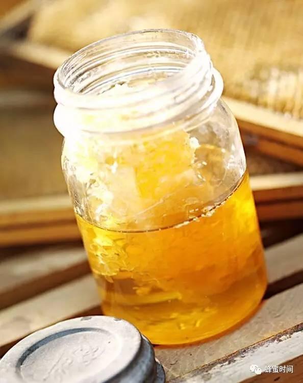 蜂蜜雪花膏 红豆汤加蜂蜜 醋加蜂蜜功效与作用 枣花蜂蜜功效 蜂蜜水热量