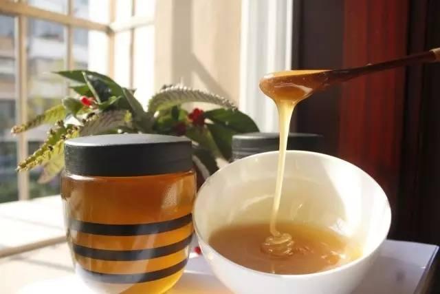 过保质期的蜂蜜能吃吗?