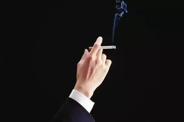 吸烟过量的人应多食用蜂胶!