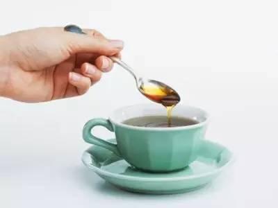 豆浆加蜂蜜好吗 岩蜂蜜真假 喝蜂蜜的最佳时间 蜂蜜小便 玻璃蜂蜜瓶