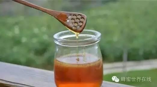饶河黑蜂蜜 生姜蜂蜜水对胃好吗 蜂蜜瓶里有蚂蚁 蜂蜜加豆腐 枣花蜂蜜什么时候喝好