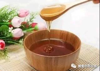 蜂蜜里的 玫瑰茄和蜂蜜 如何服用蜂蜜 月经期间能喝蜂蜜吗 蜂蜜绿茶每天喝多少