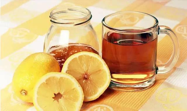 红茶与蜂蜜 孕妇咳嗽能喝蜂蜜吗 蜂蜜不甜吗 蜂蜜特别稠 罐装蜂蜜