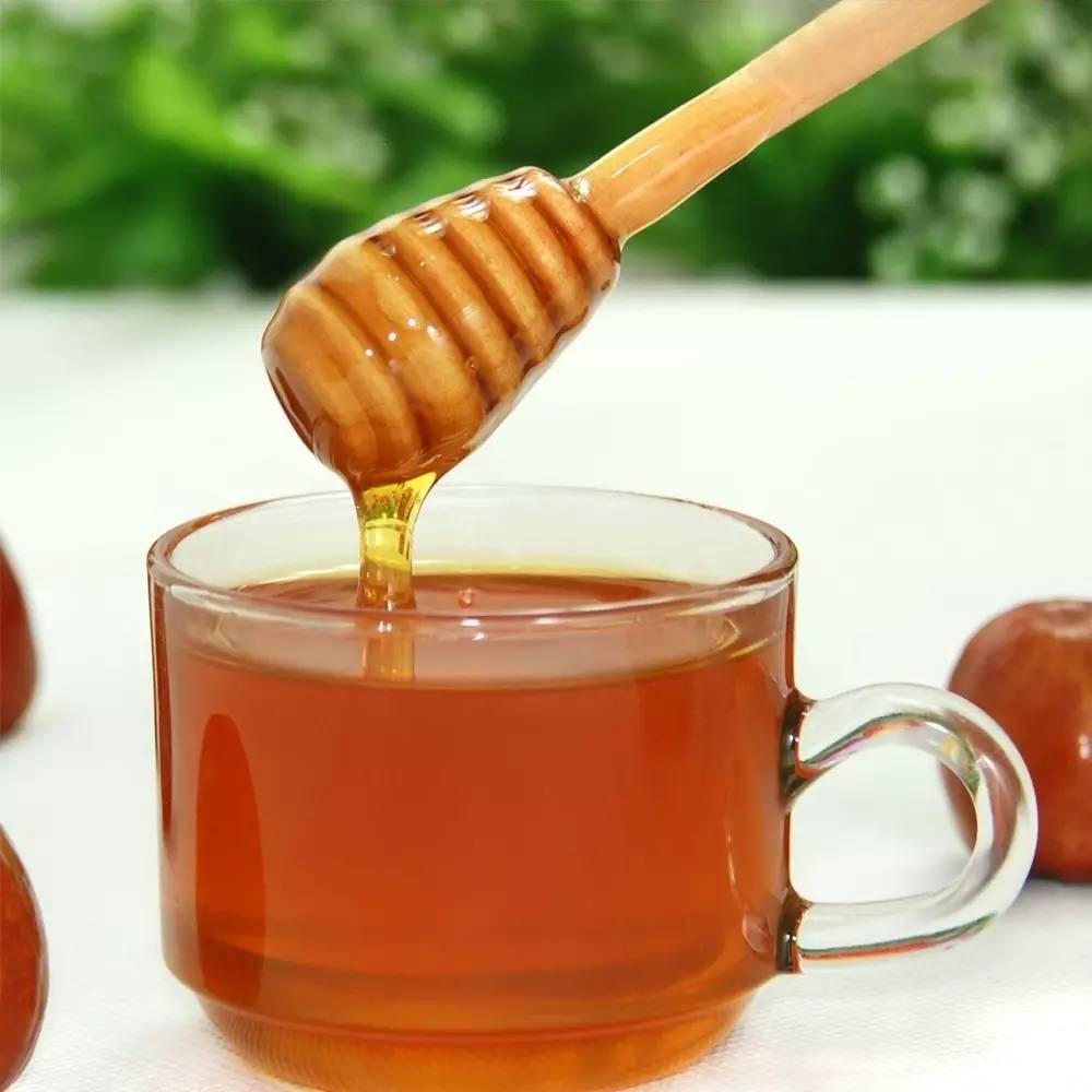 蜂蜜的种类与功效 苦豆草蜂蜜 1岁宝宝可以喝蜂蜜吗 枸杞花蜂蜜多少钱 早上空腹喝蜂蜜水好吗