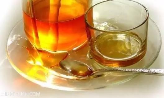 蜂蜜甩蜜桶 橄榄泡蜂蜜功效 蜂蜜猕猴桃能一起吃吗 宝宝可以喝蜂蜜 大枣蜂蜜膏