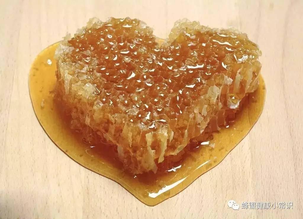 新疆最好的蜂蜜 蜂蜜加什么钓鱼 蜂蜜杀菌吗 蜂蜜可以早上空腹喝吗 柠檬蜂蜜常温
