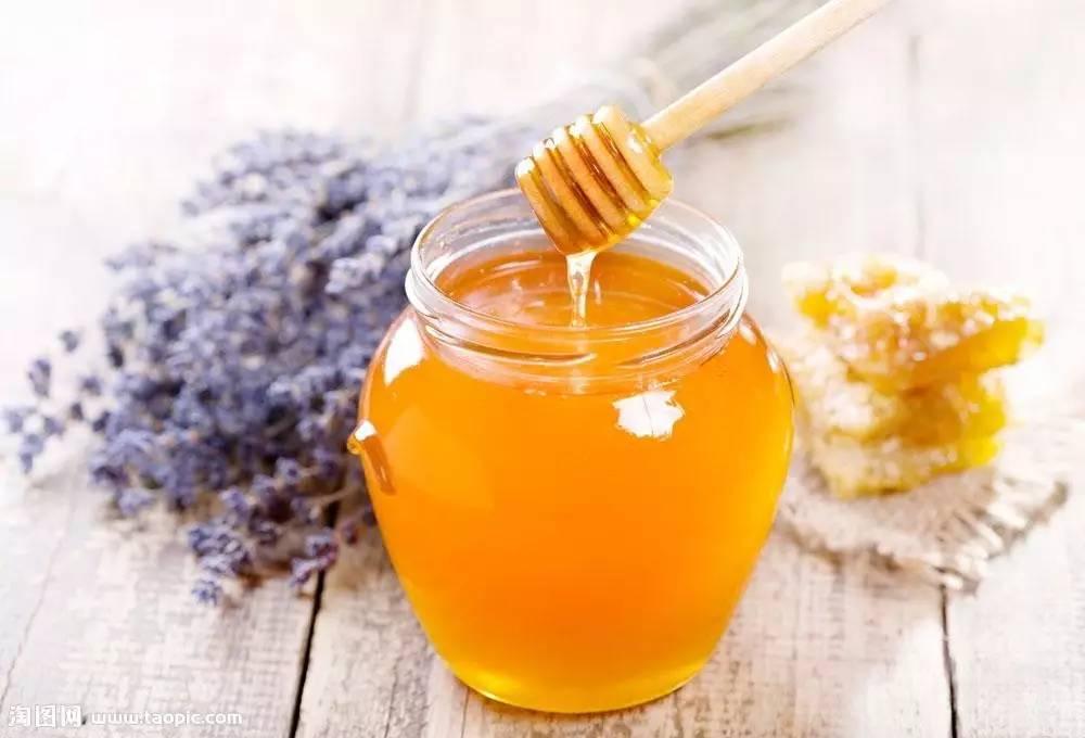 蜂蜜加醋的比例 茉莉花茶蜂蜜 腌制的柠檬蜂蜜可以放多久 喝柠檬蜂蜜水多久见效 白萝卜泡蜂蜜