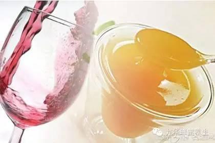 蜂蜜清火吗 蜂蜜抹眉毛 蜂蜜柠檬是絮状的 早上喝蜂蜜水好吗 怎样做蜂蜜柚子茶