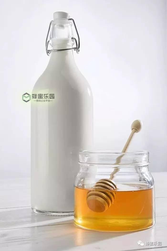 蜂蜜丰胸 孕妇可以喝豆浆加蜂蜜吗 北京哪有卖蜂蜜的店 中国真蜂蜜 小孩能不能喝蜂蜜