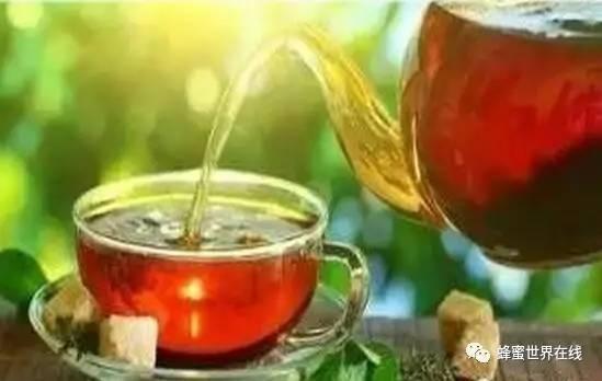 蜂蜜洗脸 蜂蜜薯片 蜂蜜变黑 蜂蜜与四叶草2 三叶草蜂蜜的功效