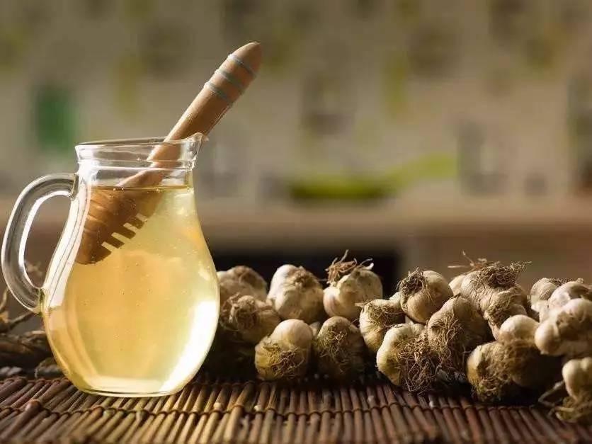 滇红加蜂蜜 查杏仁粉冲蜂蜜喝可以吗 牛奶十蜂蜜 人蜂蜜剑打一成语 原蜜和蜂蜜