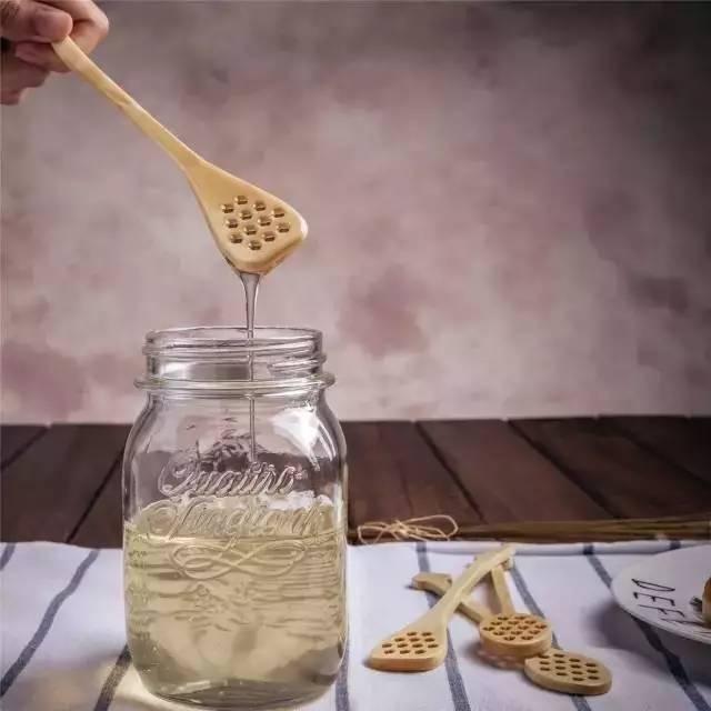 100克蜂蜜是多少 蜂蜜协会 蜂蜜与大米同食 蜂蜜对神经衰弱 蜂蜜会不会长胖
