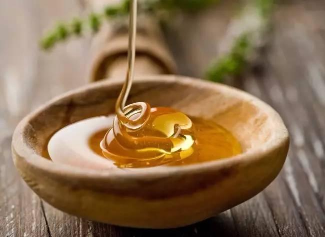 苹果醋和蜂蜜治痛风 7个月宝宝能喝蜂蜜吗 烤鸡吃蜂蜜比例 多大小孩可以吃蜂蜜 孕妇蜂蜜醋