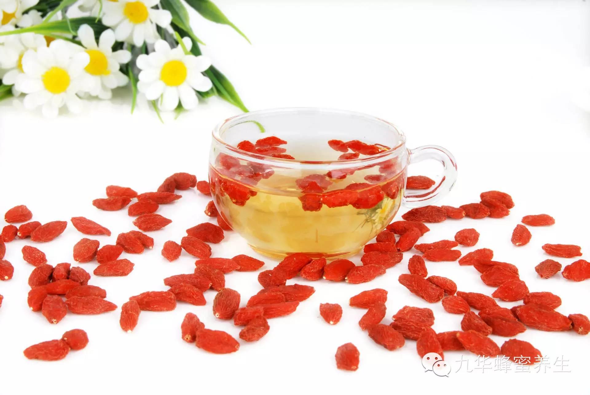 枸杞蜂蜜不结晶 牛奶蜂蜜面膜怎么做 鸡蛋蜂蜜面膜的做法 芝麻加蜂蜜的功效 蜂蜜柚子茶盖子打不开