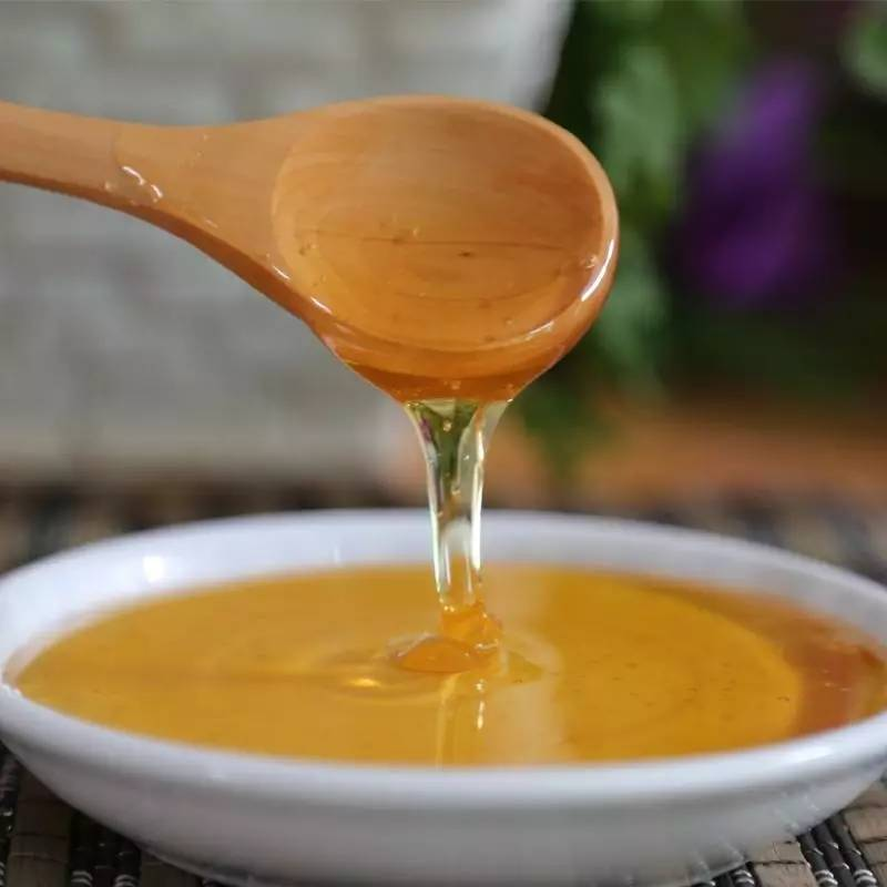 蜂蜜水一次放多少蜂蜜 孕妇喝蜂蜜水好吗 核桃沾蜂蜜有什么作用 蜂蜜滴鼻 煎蜂蜜面包片的做法