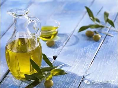 野生蜂蜜的味道 淇澳岛哪里有蜂蜜卖 蜂蜜焦糖月季是藤本 哺乳期妈妈能喝蜂蜜水吗 长痘涂蜂蜜