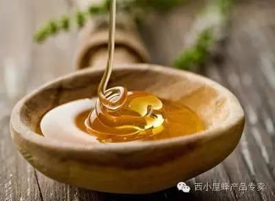 喝蜂蜜水可以催生吗 蜂蜜雪梨炖百合 健身后喝蜂蜜水 蜂蜜喝多会上火吗 蜂蜜做面膜好吗
