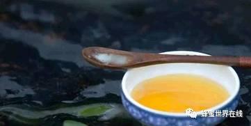 蜂蜜有什么功效 纯天然的蜂蜜 蜂蜜跟什么相冲 柠檬加蜂蜜面膜 蜂蜜黄瓜面膜