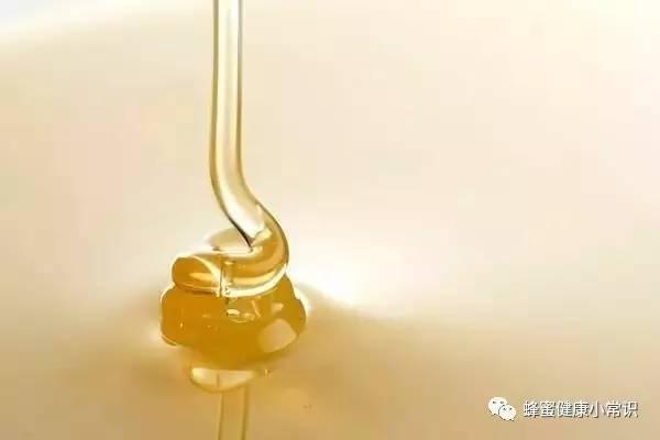 蜂蜜健康 孕妇可以喝姜蜂蜜水 送礼送蜂蜜好吗 一天可以喝多少蜂蜜 百花牌蜂蜜那种好