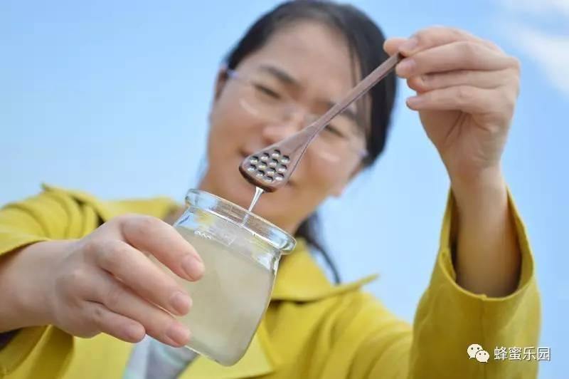 皱纹蜂蜜 甜酒煮鸡蛋蜂蜜 白茶加蜂蜜 百花蜂蜜专卖店 蜂蜜柠檬可以做面膜吗