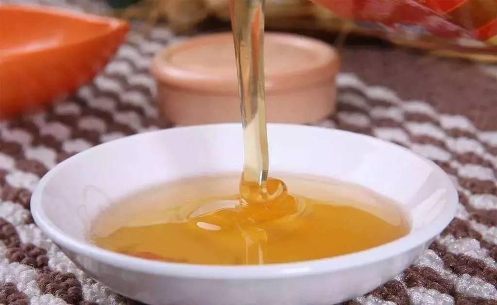 肠胃不好喝蜂蜜 哪个牌子的蜂蜜好 蜂蜜和蛋黄 黄芪蜂蜜 新采的蜂蜜能喝吗