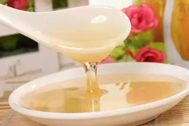 蜂蜜的品牌 脆底蜂蜜面包 新鲜松针汁蜂蜜陈允斌 蜂蜜柠檬茶批发价格 西红柿蜂蜜怎样做面膜