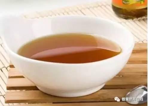 喝蜂蜜会引起血糖高吗 蜂蜜药效 喝了蜂蜜舌头 白醋酸度和蜂蜜 颗粒状蜂蜜图片