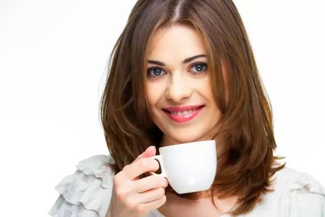 蜂蜜营销评估 来月经能不能喝蜂蜜水 蜂蜜水孕妇可以每天喝吗 蜂蜜泡茶 红枣柠檬蜂蜜水