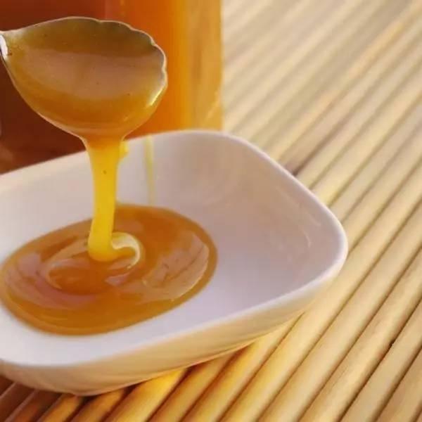 蜂蜜都结晶吗 蜂蜜怎么酿制 早上可以喝蜂蜜吗 一瓶蜂蜜多少钱 蜂蜜股票