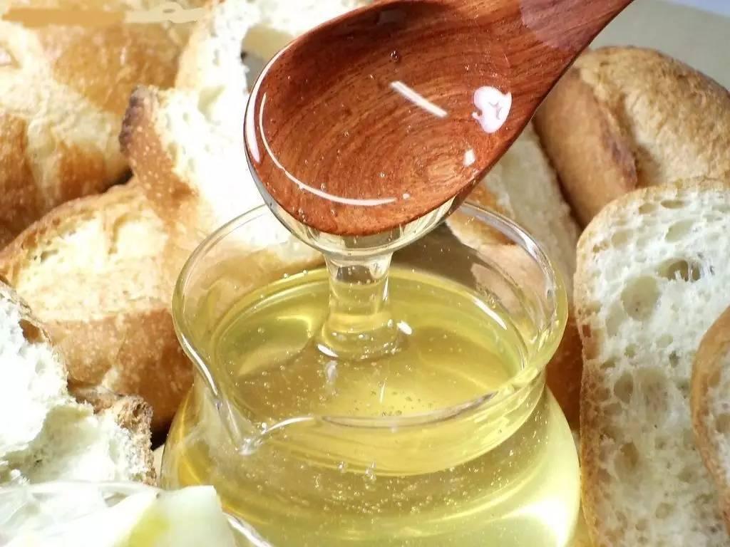 蜂蜜放冰箱可以放多久 姜丝蜂蜜减肥 吃蜂蜜有什么好处1 拉肚子可以喝蜂蜜吗 蜂蜜黄瓜面膜