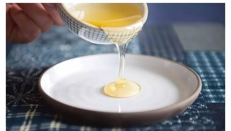 蜂蜜配醋 一天几勺蜂蜜 喝蜂蜜水治便秘吗 蜂蜜抽检 土蜂蜜的辨别