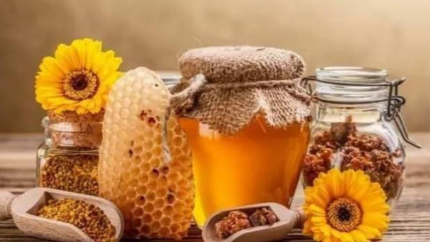 蜂蜜加柠檬做面膜 天喔蜂蜜柚子茶冠名百变大咖秀 蜂蜜姜蒜 蜂蜜煮梨 健身后蜂蜜牛奶