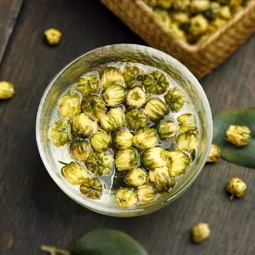 自制蜂蜜猪油膏 野蜂蜜图片大全 蜂蜜茶叶水的功效 心之源蜂蜜多少钱一瓶 伊藤千晃蜂蜜幸运草