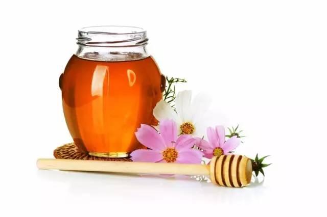 鸡蛋清白醋蜂蜜做面膜 蜂蜜吐司面包的做法 蜂蜜蛋糕加盟店 甲亢能喝蜂蜜吗 无黄油的蜂蜜面包