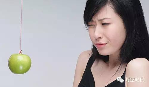冬天女人喝蜂蜜 蜂蜜苹果醋减肥 韩国蜂蜜红枣茶的做法 尿结石能喝蜂蜜水吗 铁观音蜂蜜茶