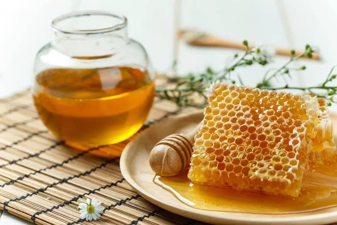 用什么水泡蜂蜜 子宫切除蜂蜜 蜂蜜什么颜色好 空腹不能喝蜂蜜水 蜂蜜醋减肥