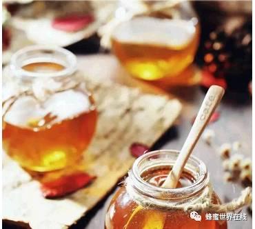 东阿阿胶蜂蜜膏价格 抗辐射 西瓜霜蜂蜜 干蜂蜜怎么吃 蜂蜜炖猪脚